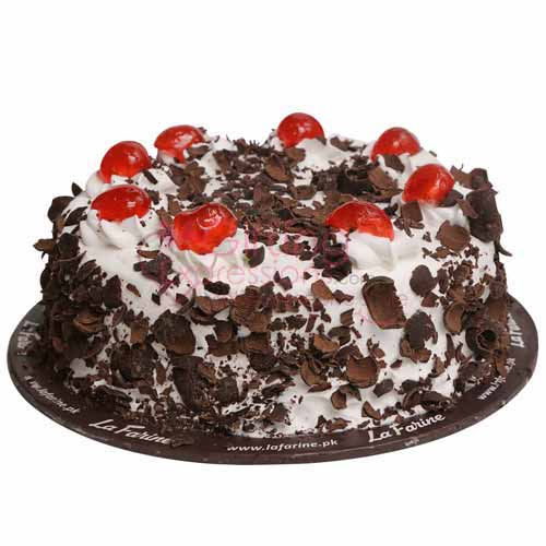 Send Fudge Brownie Cake From La Farine To Pakistan