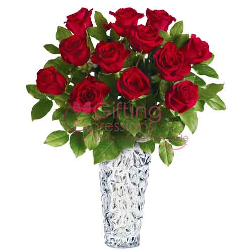 Send Red Roses In A Vase To Pakistan
